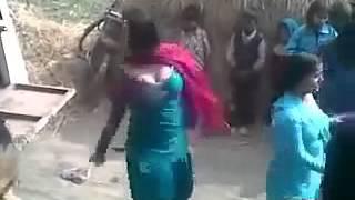 Village dj dance