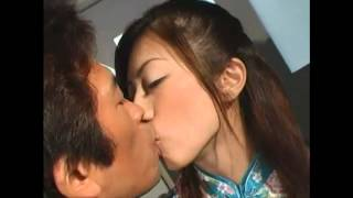 getlinkyoutube.com-How To Kiss ( Like Japan Man ) HD