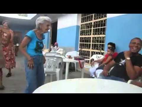 abuela sabrosa bailando