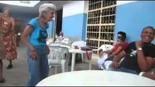 getlinkyoutube.com-abuela sabrosa bailando