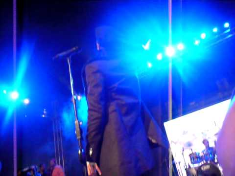 "Atif Aslam singing ""ALLAH HO"" live at karachi"