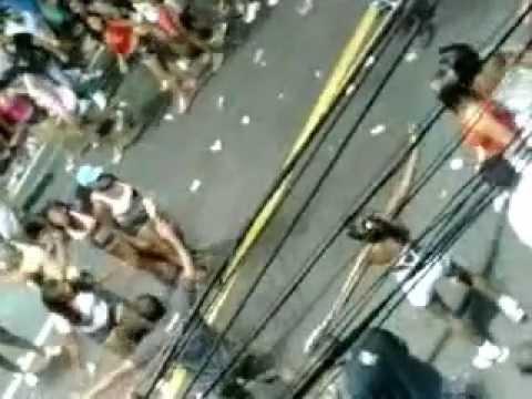 Mulheres também entram na briga durante o Carnaval