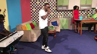 Tzy Panchak Performs Mad 4 Yu Luv live on CRTV width=