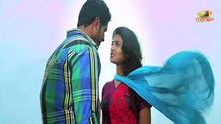 getlinkyoutube.com-Aravind and Nikitha's first kiss - Its My Love Story Movie Scenes