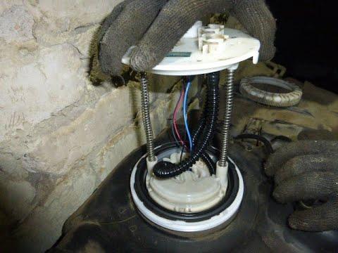 Замена топливного фильтра в баке на ПРАДО-120 (1GR-FE)