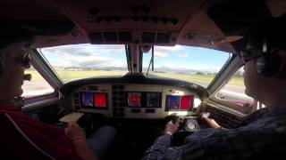 getlinkyoutube.com-Beechcraft King Air F-90 Flight: Bogotá (BOG) - Medellín (EOH) Cockpit view