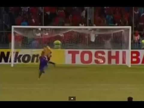 Jugador de Maldivas pateó el penal más insólito de la historia