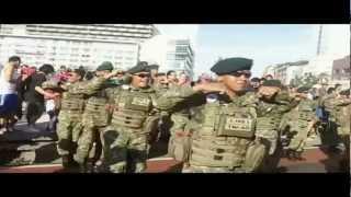getlinkyoutube.com-Gangnam Style Flashmob by Indonesian Army Brigif Linud 17/1 KOSTRAD & WWF - Bundaran HI