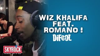 Wiz Khalifa inhale de l'helium et rap Hard Work