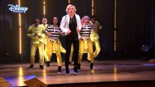 getlinkyoutube.com-Austin & Ally | Jump Back Kiss Yourself Song | Official Disney Channel UK
