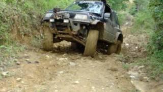 getlinkyoutube.com-Extreme Suzuki Vitara 4x4 -CHEPO- Club 4x4 PANAMA