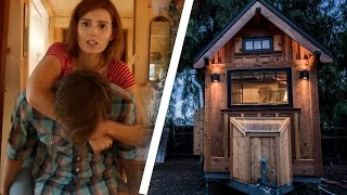 getlinkyoutube.com-People Try Living In A Tiny House