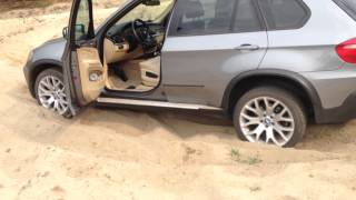 getlinkyoutube.com-BMW X5 e70 off road + Mitsubishi L200 part 1