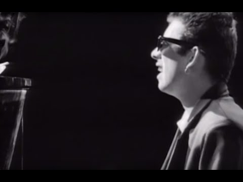 The Pogues - Fairytale Of New York - Featuring Kirsty MacColl