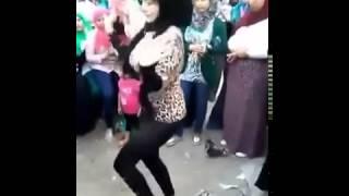 getlinkyoutube.com-رقص بنت التي هزت عرش صافيناز  2015
