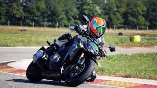Kawasaki Z1000 VS. Z1000SX Test