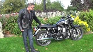 getlinkyoutube.com-Riding the Triumph Bonneville T100 Black in Windsor, Berkshire