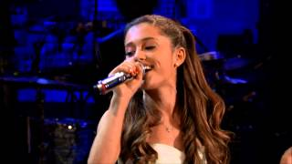 getlinkyoutube.com-Selena Gomez vs Ariana Grande (Live Battle)
