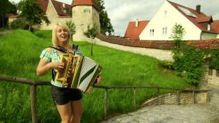 getlinkyoutube.com-Alexandra Schmied - Happy Sommerzeit