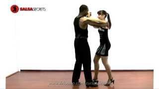 getlinkyoutube.com-Como bailar salsa (La copa)