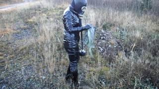 Nokia Lena schwarz Gasmaske anziehen
