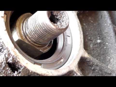 Замена переднего сальника коленвала.Replacing front crankshaft oil seal.