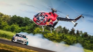 getlinkyoutube.com-Aerobatic Helicopter Chases Drifting Race Car