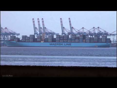 Click to view video MOGENS MAERSK - IMO 9632090 - Germany - Weser - Bremerhaven - 27.01.2015