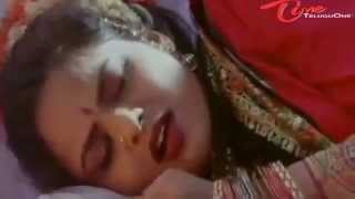 madhubala hip smooched