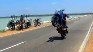 getlinkyoutube.com-Yamaha fazer stunt