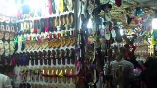 getlinkyoutube.com-Bandra Linking Road Shopping Feel - Mumbai Suburb