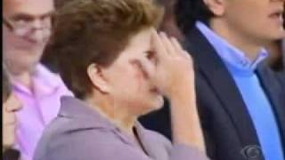 getlinkyoutube.com-DILMA ERRA SINAL DA CRUZ