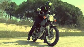 getlinkyoutube.com-Motos Garage Tv: Test Yamaha SR400