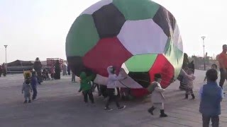 getlinkyoutube.com-our kites show in Sheik Sabah Al-Ahamad Village الموروث الشعبي الخليجي