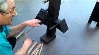 getlinkyoutube.com-Ракетная печь Rocket Stove для приготовления пищи часть 1