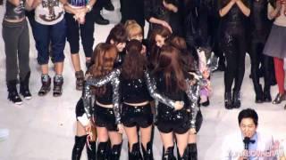 [Fancam] SNSD ::101230 2010 KBS Music Festival - The Best Popular Song Award presentation
