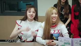 (G)I-DLE (여자)아이들 YUQI and SOYEON sweet moments width=