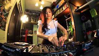 getlinkyoutube.com-Italy Techno OMG Remix 2015