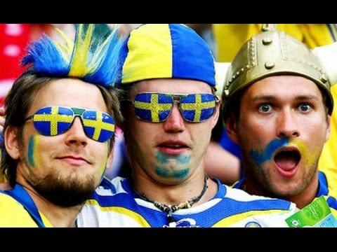 В Киеве открыли памятник шведским футбольным фанатам - Цензор.НЕТ 4464
