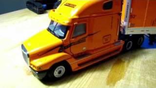 getlinkyoutube.com-1/50 Sword Models Freightliner Century w/Wabash Box Trailer - Schneider review