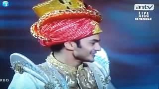 Ravi Bhatia With AyuTingting