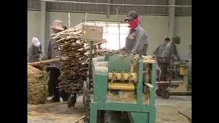 getlinkyoutube.com-วิธีผลิตแผ่นพื้นไม้สำเร็จรูปจากไม้ไผ่