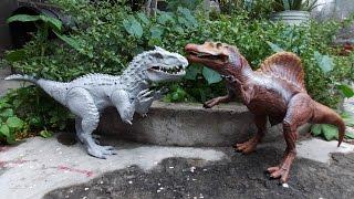 getlinkyoutube.com-Indominus rex vs spinosaurus jurassic world toys review
