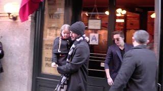 getlinkyoutube.com-Victoria Beckham, David Beckham and their kids lunch at Balthazar in New York