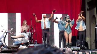 getlinkyoutube.com-LIVE Lady GaGa - The fame HD