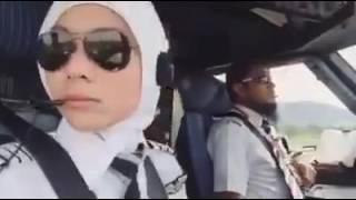 Pilot Cun Dan Jejaka Tampan AirAsia buat Lawak! Memang Terbaik! Rugi Tak Dengar