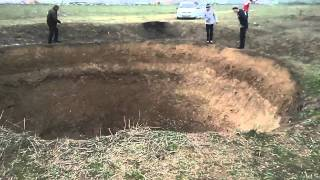 getlinkyoutube.com-UFO-Republic of Dagestan,Cаucasus Russia dips in the ground part 2 HD