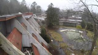 getlinkyoutube.com-Penn hills honeymoon resort abandoned drone