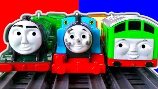 getlinkyoutube.com-Dirty Thomas The Tank Trackmaster 2In1 Destination Set BoCo Cicada Train & Crashes