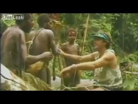 İlk kez beyaz insan gören afrika kabilesi ve verdikleri tepkiler.mp4